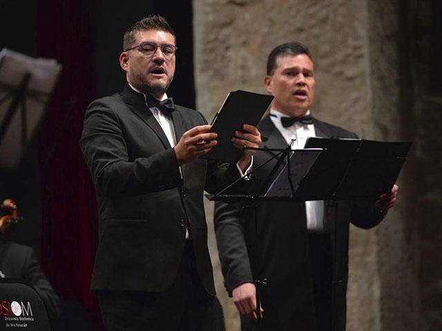 Teatro lleno y música navideña en el concierto de la Osidem