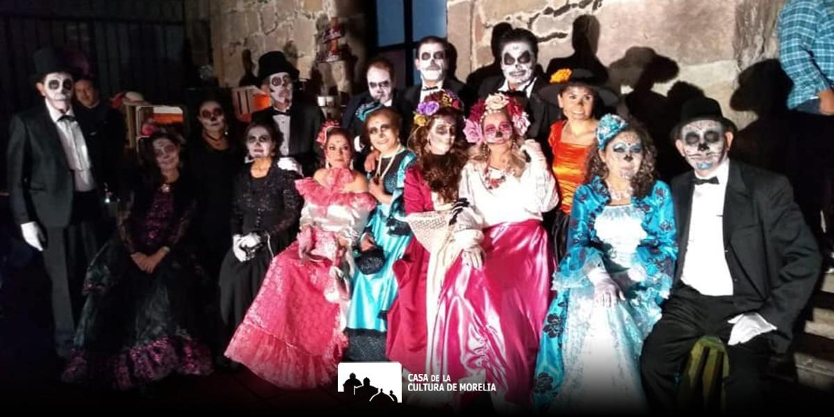 Difuntos de fin de siglo, puesta en escena producida en Casa de Cultura de Morelia para celebrar Noche de Muertos