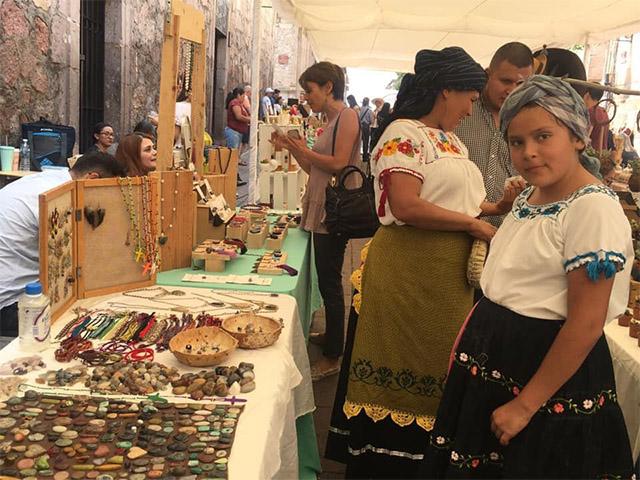 Andador Nigromante se convirtió en escenario para las artes y la gastronomía