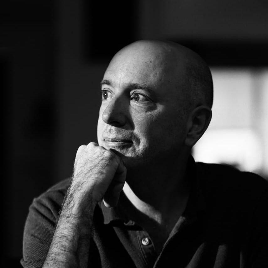 Se integra Hebert Vázquez a la Academia de Artes