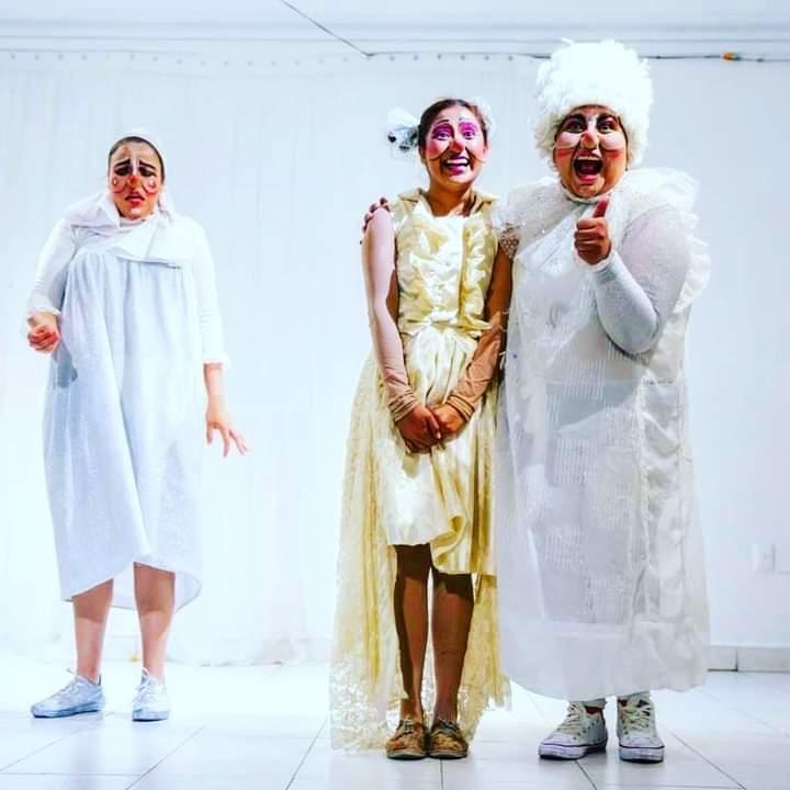 Espejo Ilusión, teatro de calle, clown, títeres y la danza para retratar a la sociedad