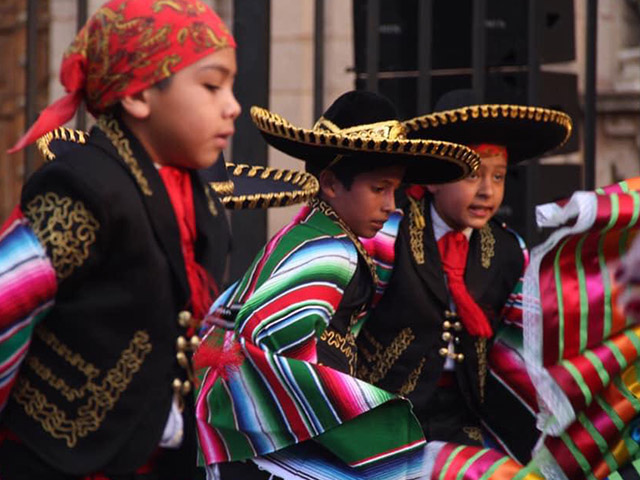 Fomento al folklore en la niñez y juventud