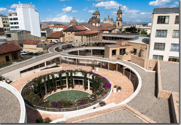 Reconoce FCE irregularidades administrativas en subsidiaria de Colombia