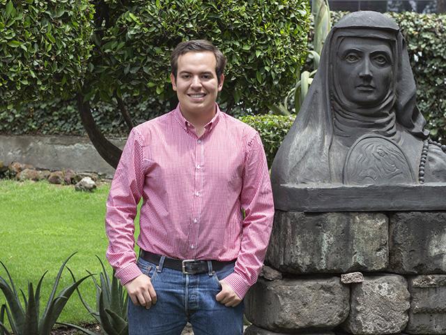 Obtiene estudiante de la Universidad del Claustro de Sor Juana el premio Radio Francia Internacional 2019