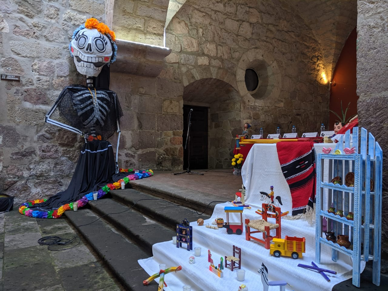 Noche de muertos en la Casa de Cultura de Morelia