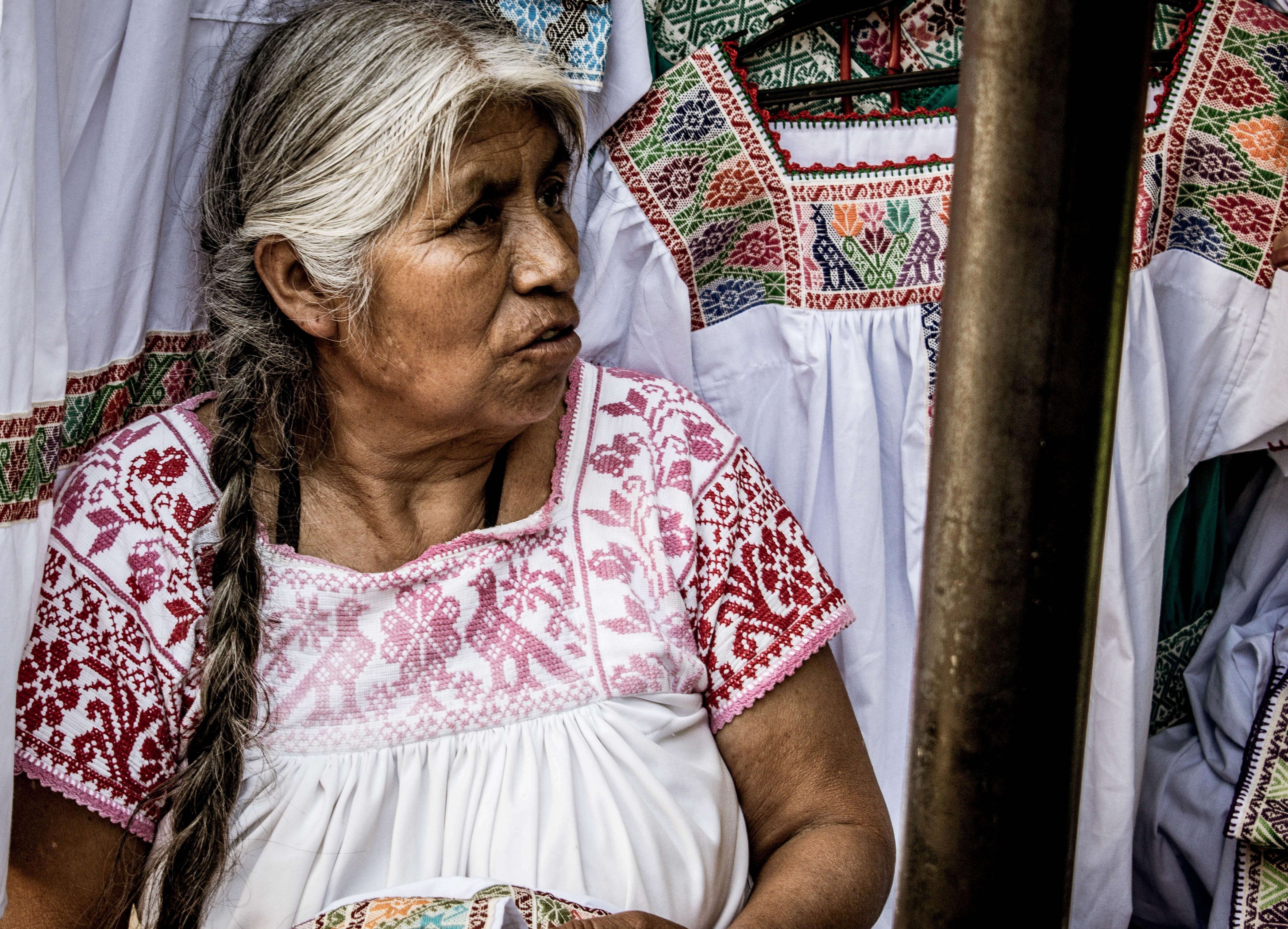 Convocan a creadoras y creadores en lenguas indígenas a participar en el Premio Nezahualcóyotl 2021