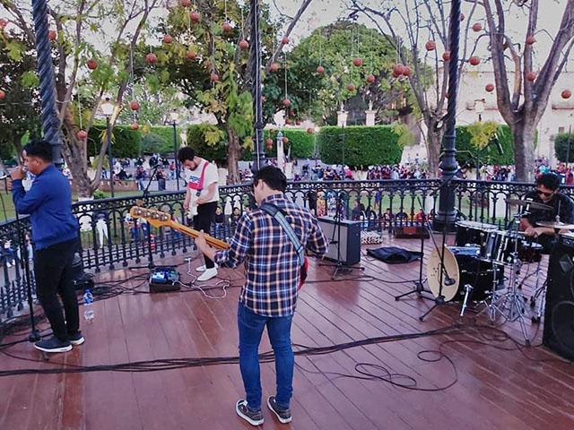 Plaza de Armas se movió entre el rock y el pop de Rafa Arreguín y la banda Pacific