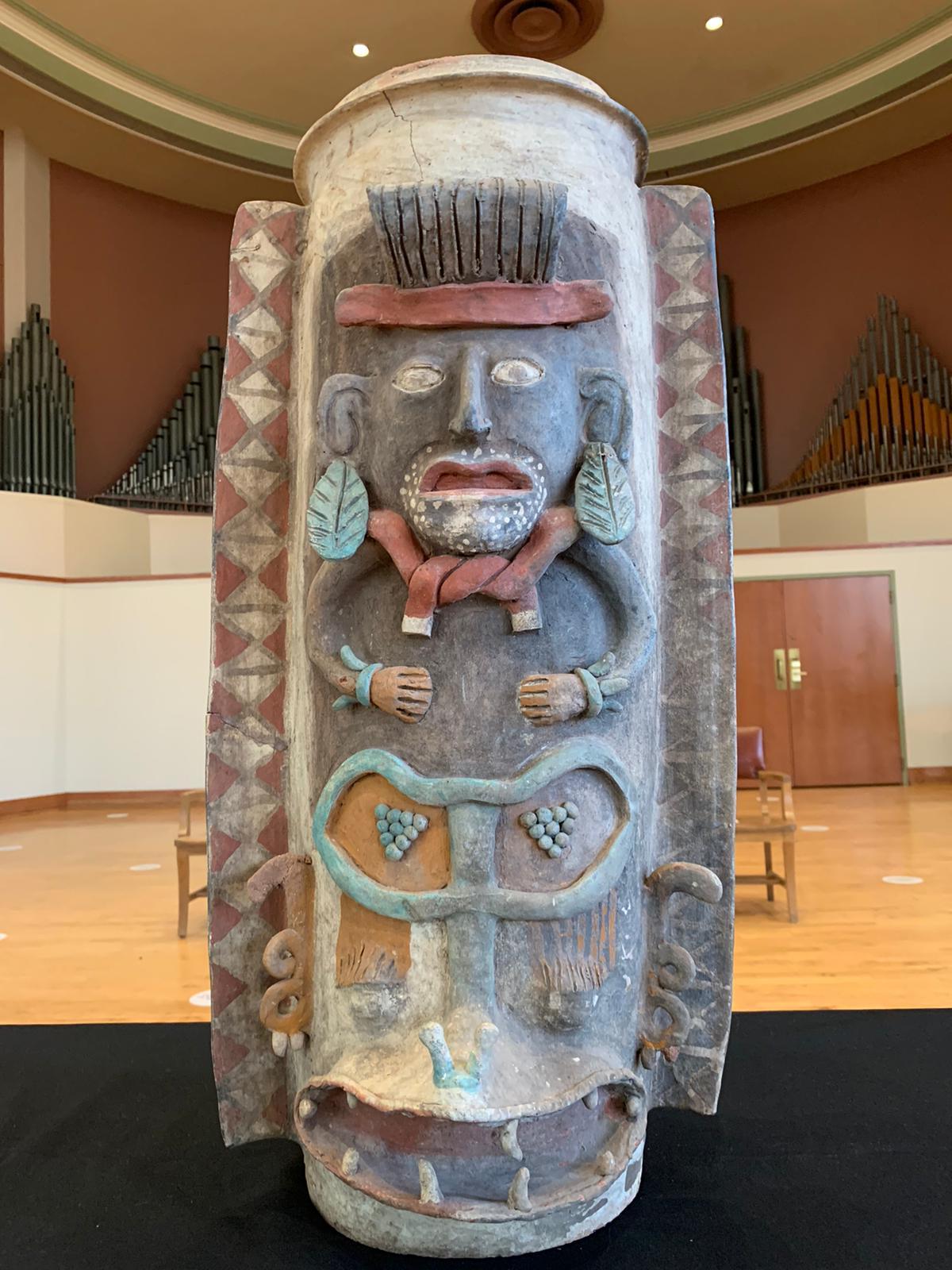 México recupera urna maya elaborada entre 900 - 1600 d.C.
