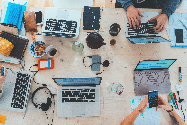 Abren seis convocatorias para creadoras y creadores digitales
