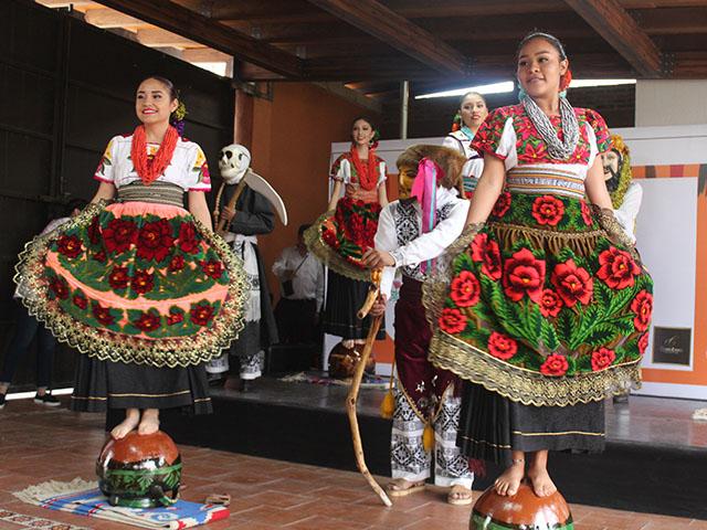 Con Jornadas de Turismo UdeMorelia reconoce el valor artístico de las artesanías michoacanas