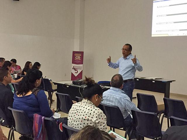 Capacita Facultad de Historia de la Universidad Michoacana a funcionarios municipales en actualización de archivos